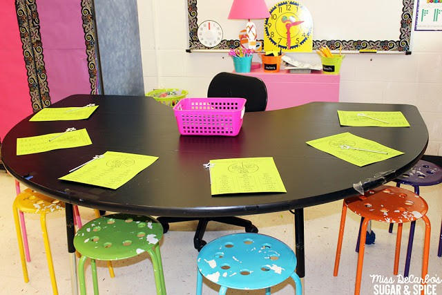 Use Small Group Reading Warm Ups To Maximize Your Time At The Small Group Table: Sight Word Ideas and Activities, Fluency and Book Baskets, and Organization Ideas!